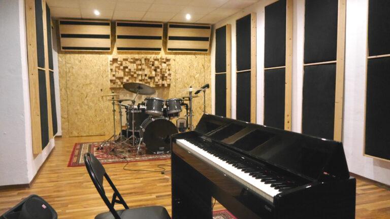 Elina-Laivera-Studio-elinalaiverastudio-gesang-studio-in-gelsenkirchen-musikstudio gelsenkirchen-tonstudio gelsenkirchen-elinas-voice-studio-elina'svoicestudio-gesang