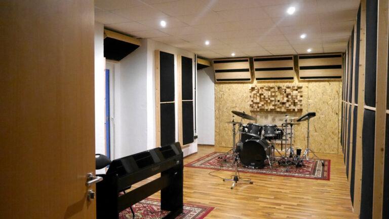 Elina-Laivera-Studio-elinalaiverastudio-recording-studios-in-gelsenkirchen-musikstudio gelsenkirchen-tonstudio gelsenkirchen-elinas-voice-studio-elina'svoicestudio-gesang